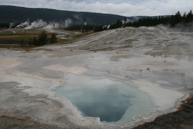 yellowstone pools2.jpg