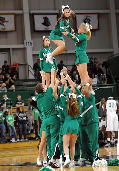 cheerleaders0929.jpg