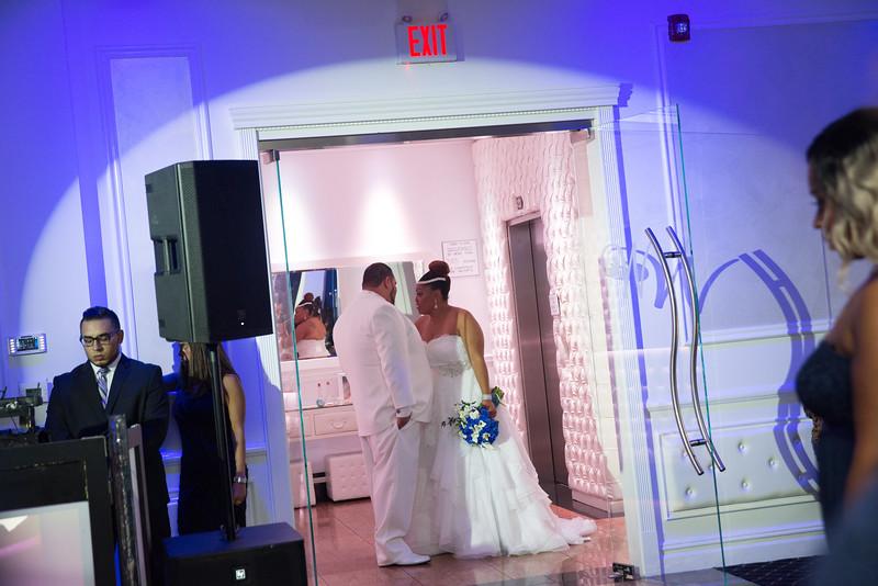 MER__0862_tonya_josh_new jerrsey wedding photography.jpg