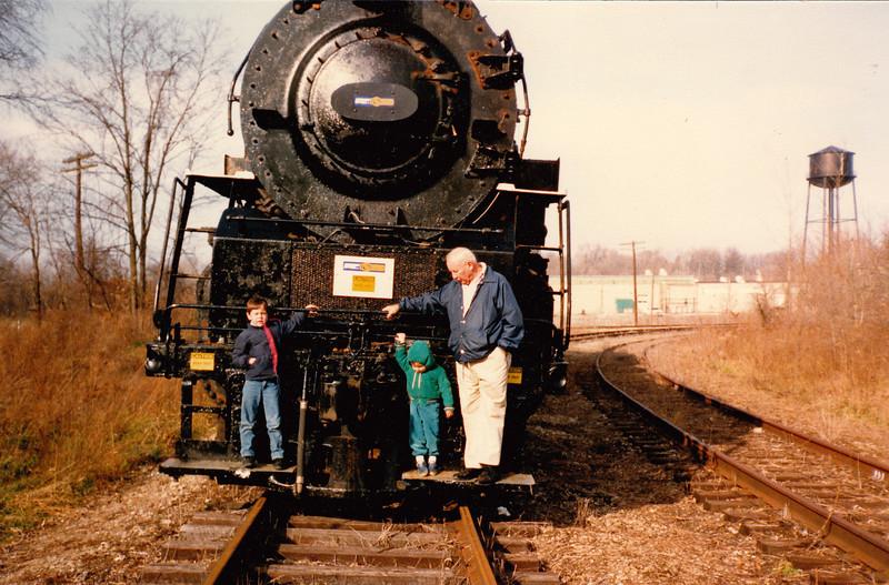 Zachary, Andrew & Bob Hiller - Autumn 1986.jpg