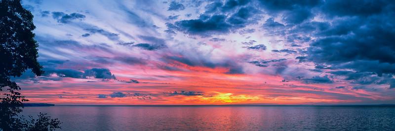 Sunsets and lightnig storms-21.jpg