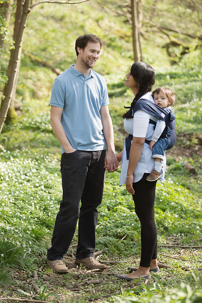 Izmi_Baby_Carrier_Cotton_Midnight_Blue_Lifestyle_Back_Carry_Couple_Looking_At_Each_Other_Portrait.jpg