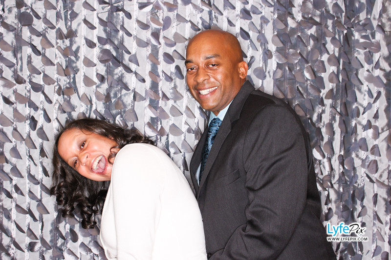 red-hawk-2017-holiday-party-beltsville-maryland-sheraton-photo-booth-0221.jpg