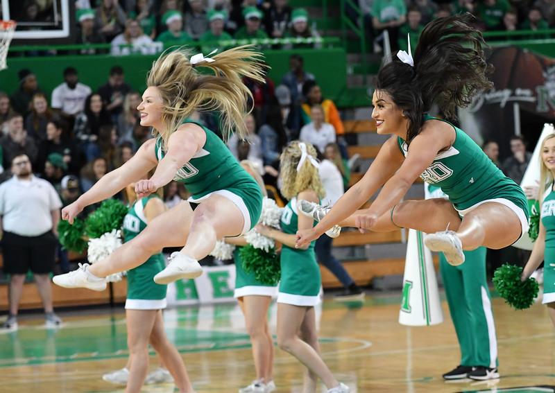 cheerleaders0332.jpg