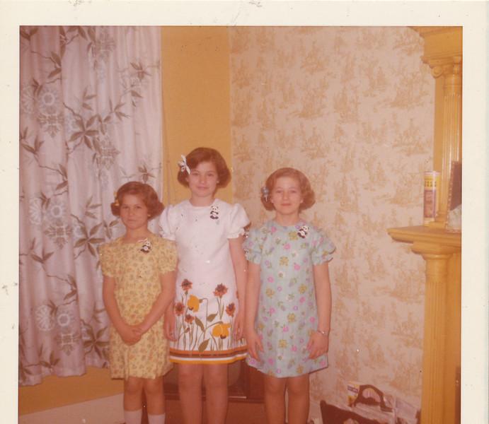 Annette, Ramona & Shari 1973.jpg