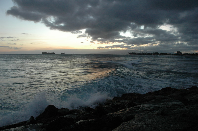 Hawaii - Ala Moana Beach Sunset-160.JPG
