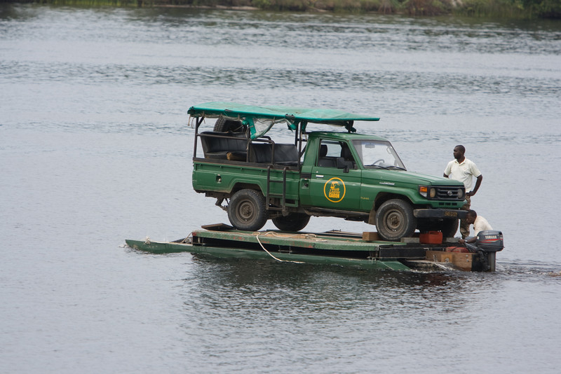 In the morning, a Land Cruiser was transfered across the Iguela Lagoon so we could go to Tassi camp.
