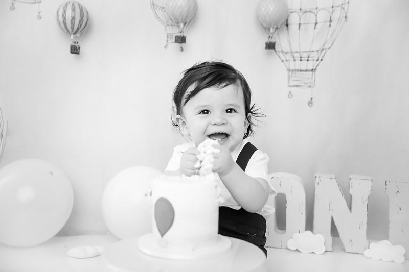 BW1newport_babies_photography_cakesmash_hot_air_ballon-9348-1.jpg