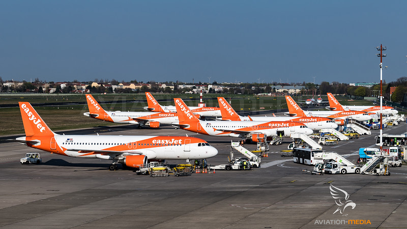 EasyJet Europe / Airbus A320-214 / Various