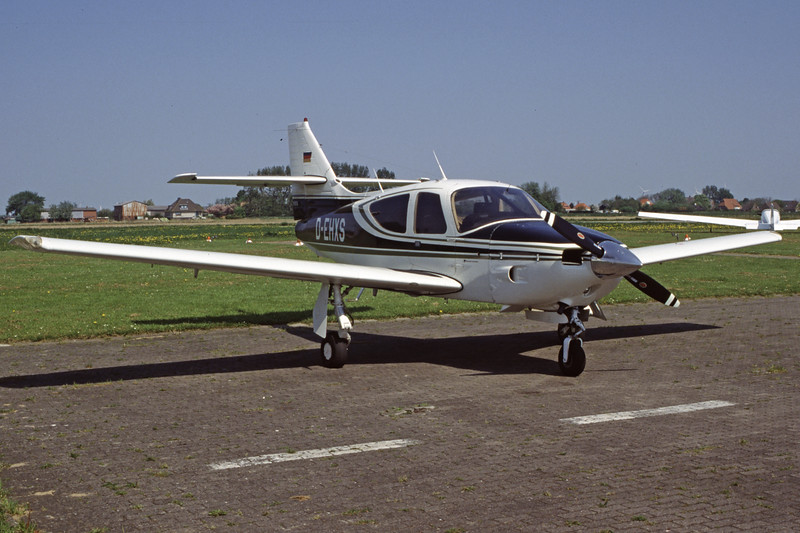 D-EHXS-RockwellCommander112-A-Private-EDXB-2000-05-07-HF-20-KBVPCollection.jpg