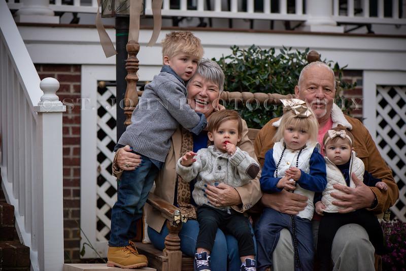 2019 November Ellis Family-267-127.jpg