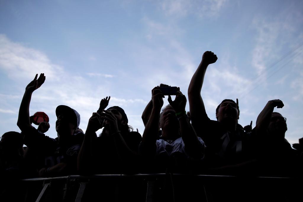 . Fans cheer before the first round of the 2017 NFL football draft, Thursday, April 27, 2017, in Philadelphia. (AP Photo/Matt Rourke)