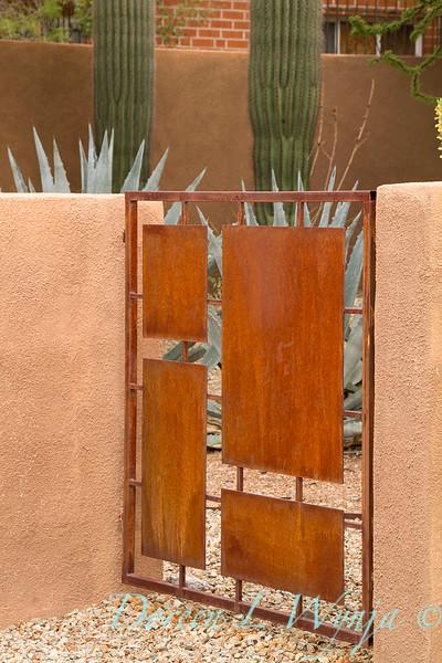 Rusty metal modern gate_4316.jpg
