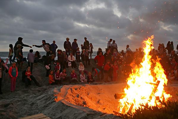 10-11-13: DMF Spooktacular Bonfire