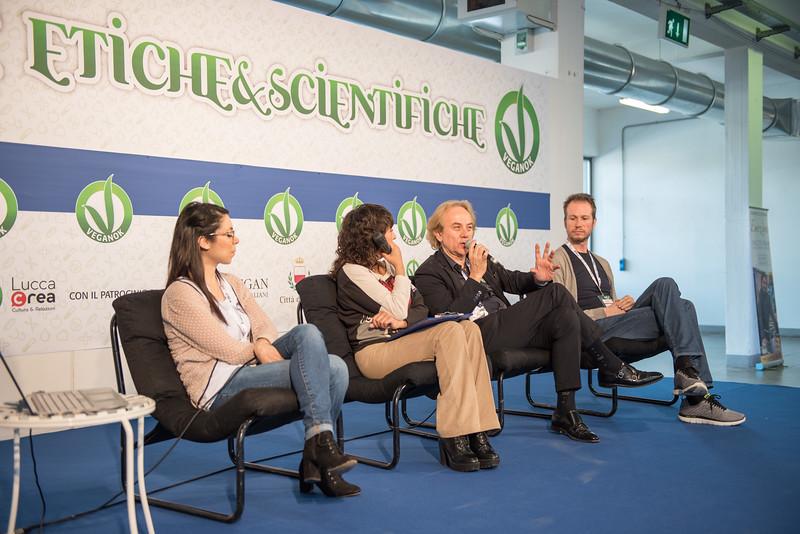 lucca-veganfest-conferenze-e-piazzetta-010.jpg