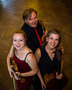 2016 Dahlia Trio