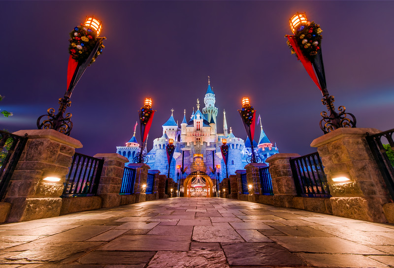 hong-kong-disneyland-castle-path.jpg