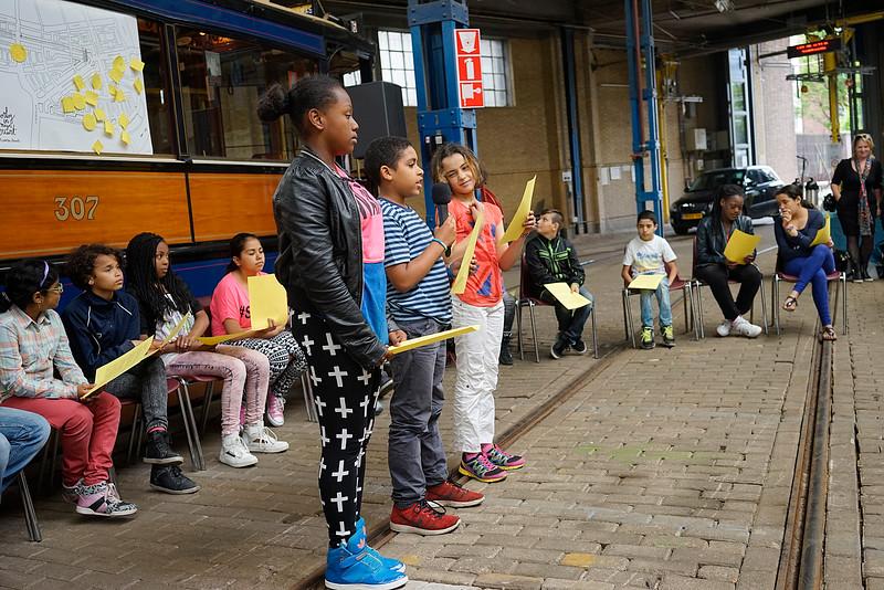 Oorlog in mijn Buurt. 30 juni 2014, presentatie van de kinderen van de Catharinaschool, foto: Katrien Mulder
