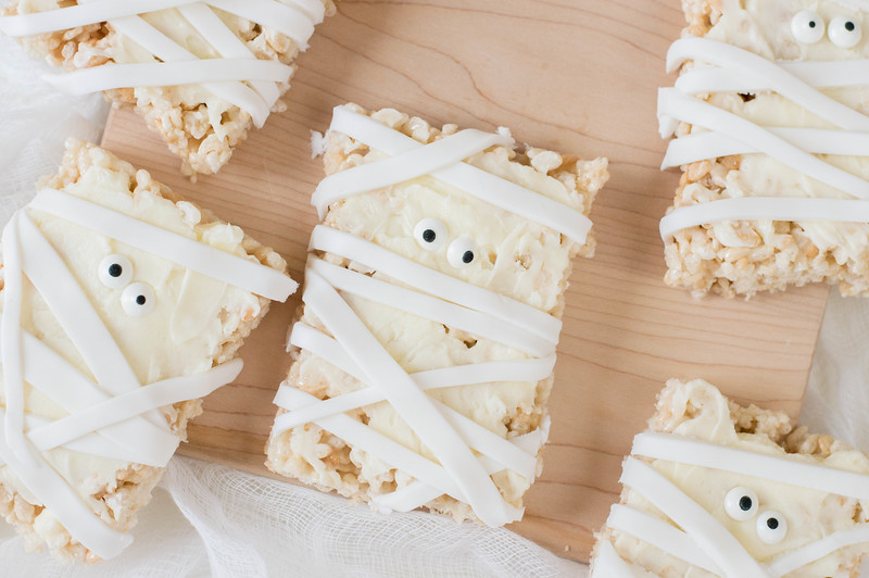 Mummy Rice Cereal Treats For Halloween 26.jpg