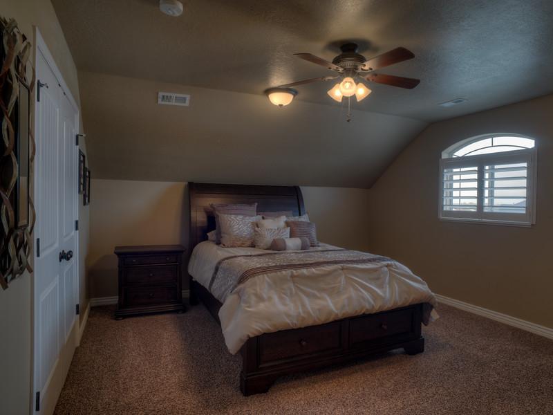Syracuse Bonus Room 150314.jpg