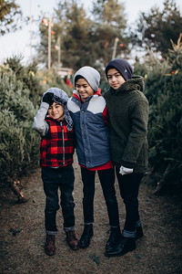 Novales Family | West Bend Winter Tree Farm Family Session