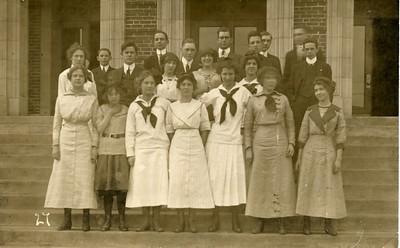 Student Classes ca 1915