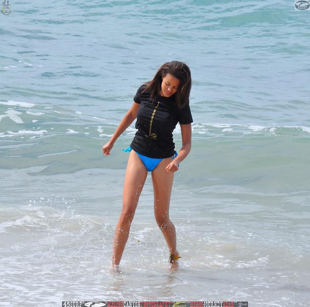 zuma beach matador beach beautiful swimsuit model malibu 45surf 049,.kl,.,..jpg