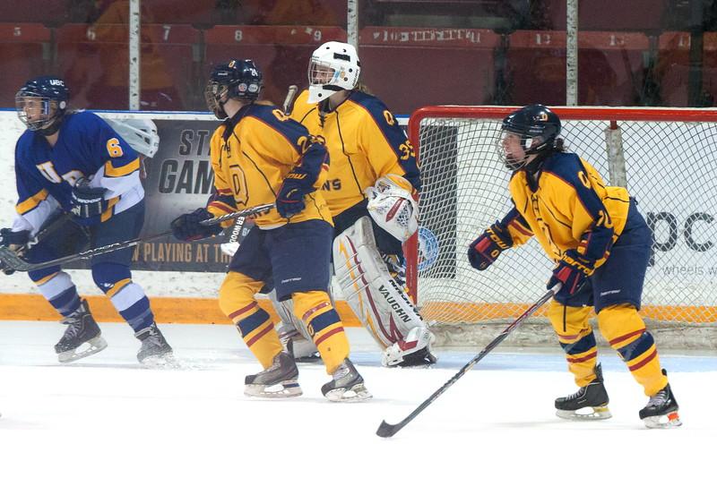 20130310 QWHockeyvsUBC 439.jpg