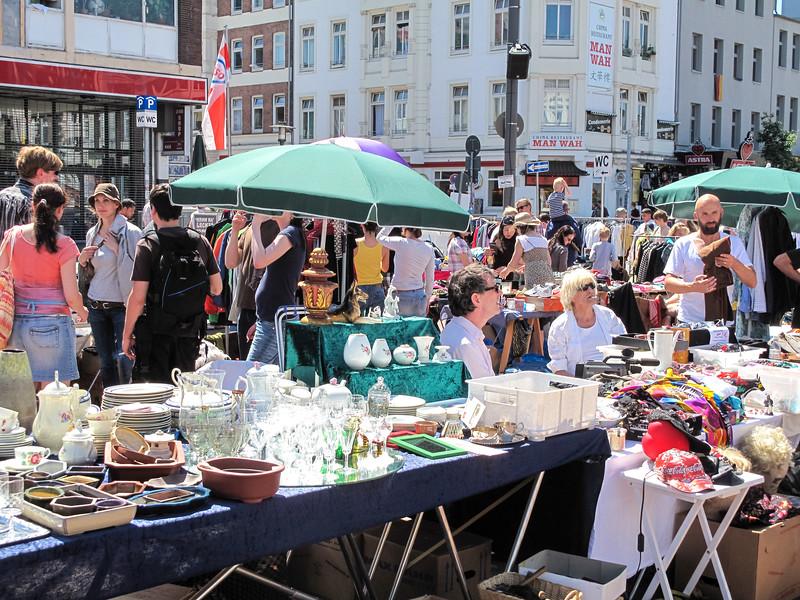 2010-06-06-Flohmarkt 79.jpg