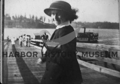 Boats: Steamboat Passengers