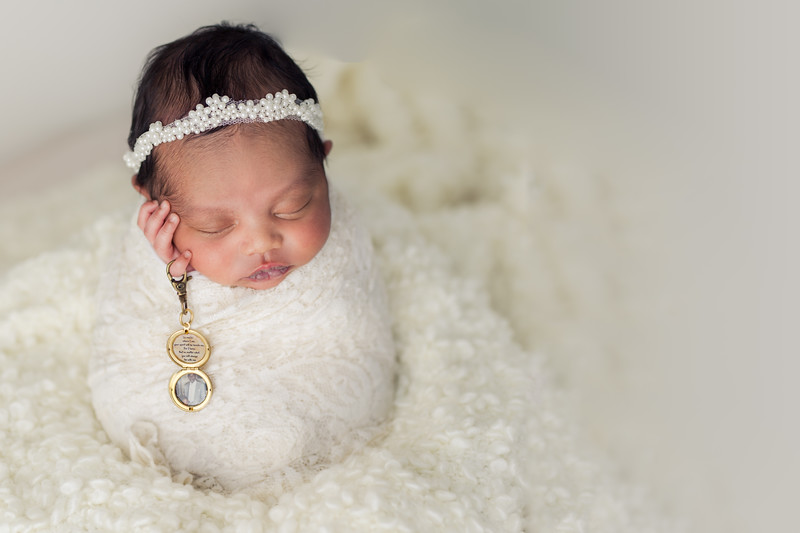 Ava's Newborn Session-25.jpg