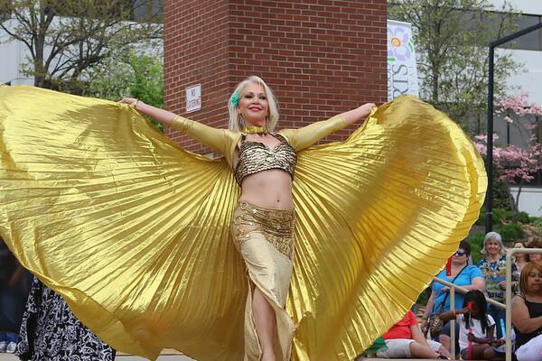 2018 Rossini Festival - Sandsation Dancers