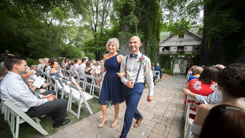 Garrett & Lisa Wedding (424).jpg
