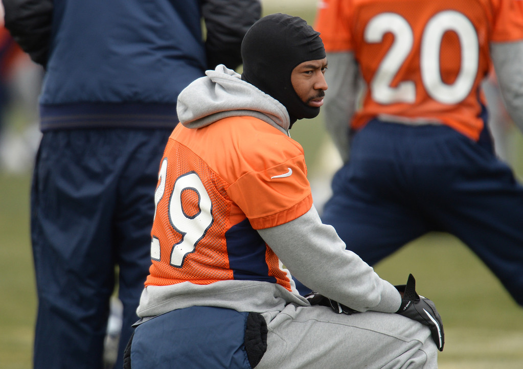 . CENTENNIAL, CO. NOVEMBER 22 : Michael Huff of Denver Broncos (29) is warming up for the team practice at the field in Denver Broncos Headquarters at Dove Valley. Centennial, Colorado. November 22, 2013. (Photo by Hyoung Chang/The Denver Post)
