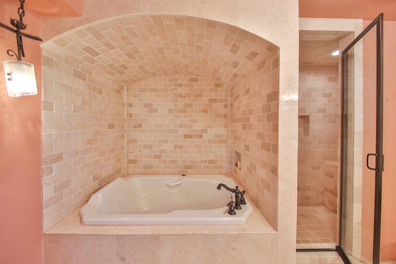 Bath and Shower2.JPG