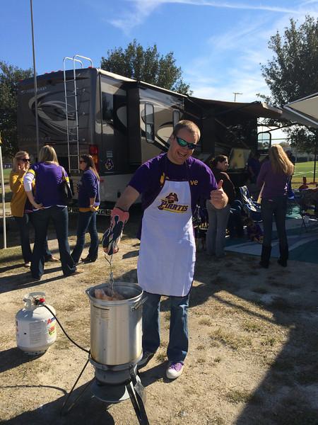 11/9 ECU vs Tulsa  Chuck frying a turkey