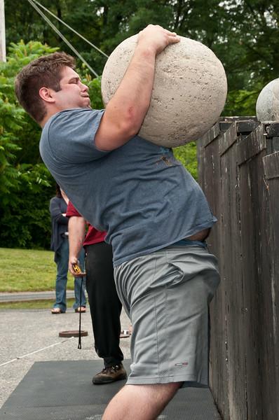 Fitness Revolution Strongman Challenge 2011_ERF4417.jpg