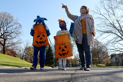 103120 Trick or Treaters (MA)