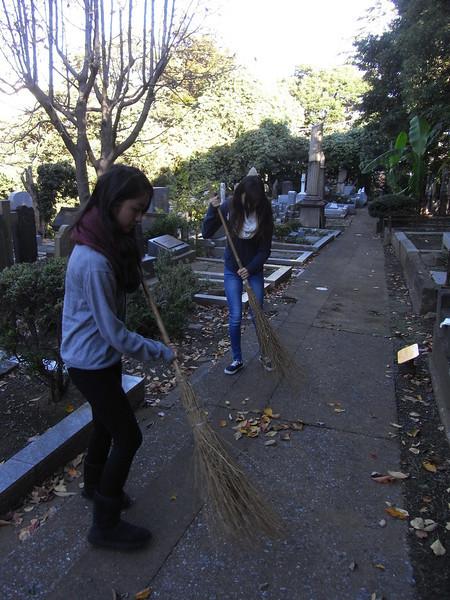Cemetery Clean-up 11132013_10830617293_l.jpg