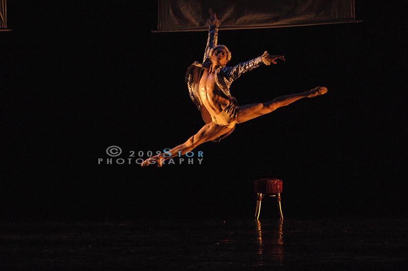 The performer (51).jpg