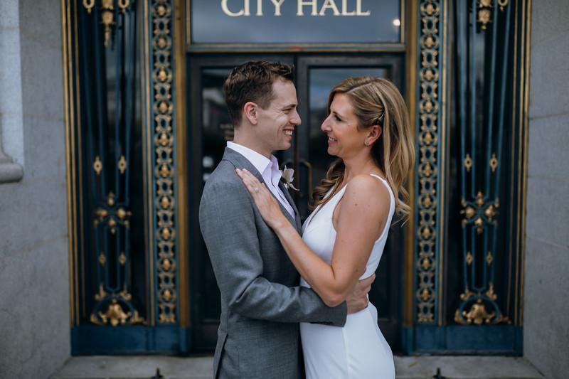 2018-10-04_ROEDER_EdMeredith_SFcityhall_Wedding_CARD1_0260.jpg