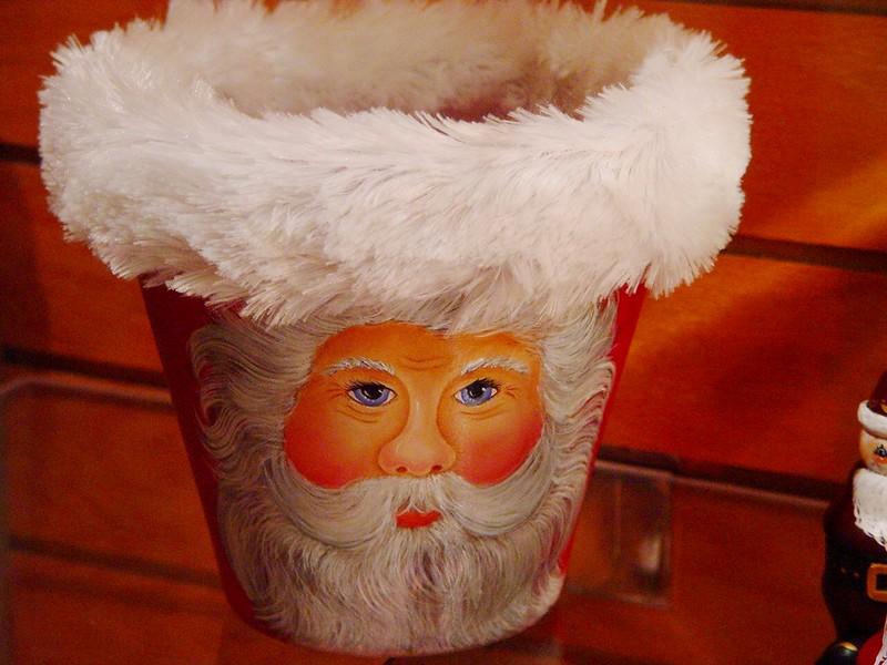 Santa basket.jpg