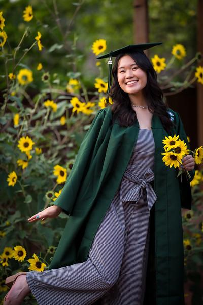 20200521_sarah-friends-connally-graduation_076.jpg
