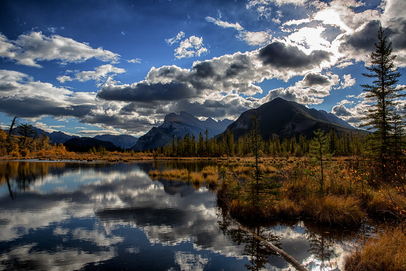 Fall Colours at Vermillion Lakes