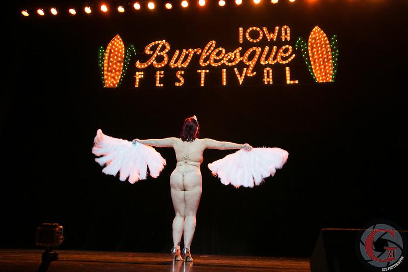 burlesque day2 edits (201 of 123).jpg