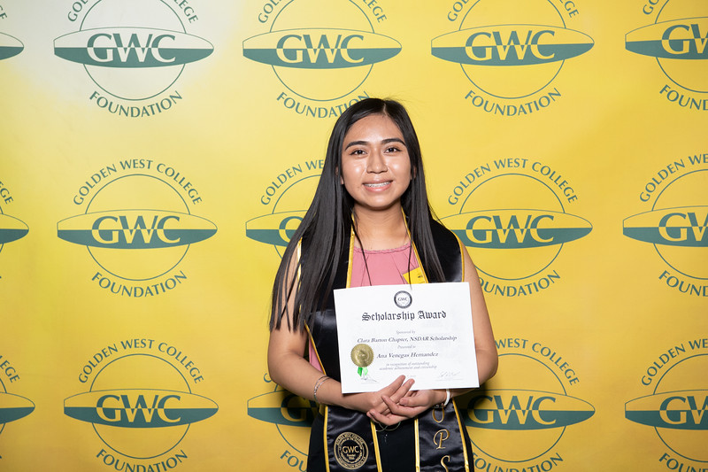Scholarships-Awards-2019-0895.jpg