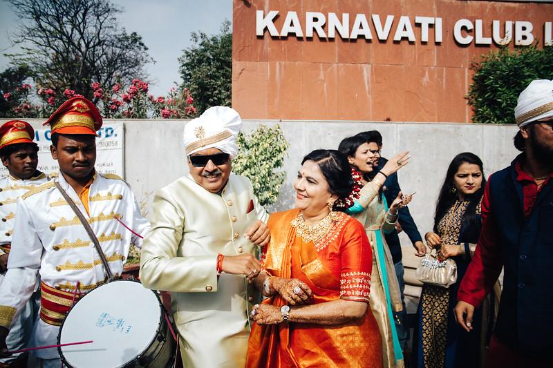 Poojan + Aneri - Wedding Day EOSR Card 1-0435.jpg