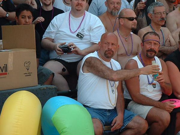 Pride Parade 2001-57-1.jpg