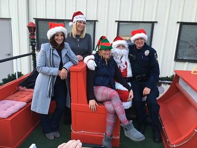 Manhattan Beach Police Department Man the Santa Float