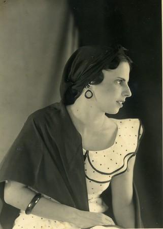 My mother - Stella (Tita) Mendes Chumaceiro - Gomes Casseres    Cuba 1913- Curacao 2009